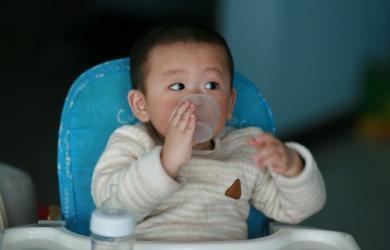 Làm thế nào để trẻ cai sữa cho trẻ thuận lợi nhất? cai sữa mẹ